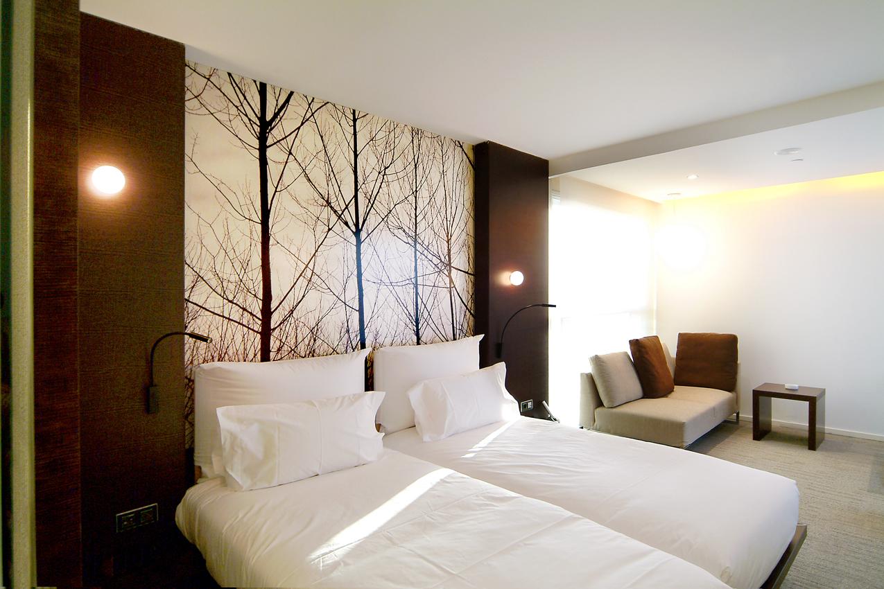 hoteles-diagonal-habitaciones-zona-sofa-1